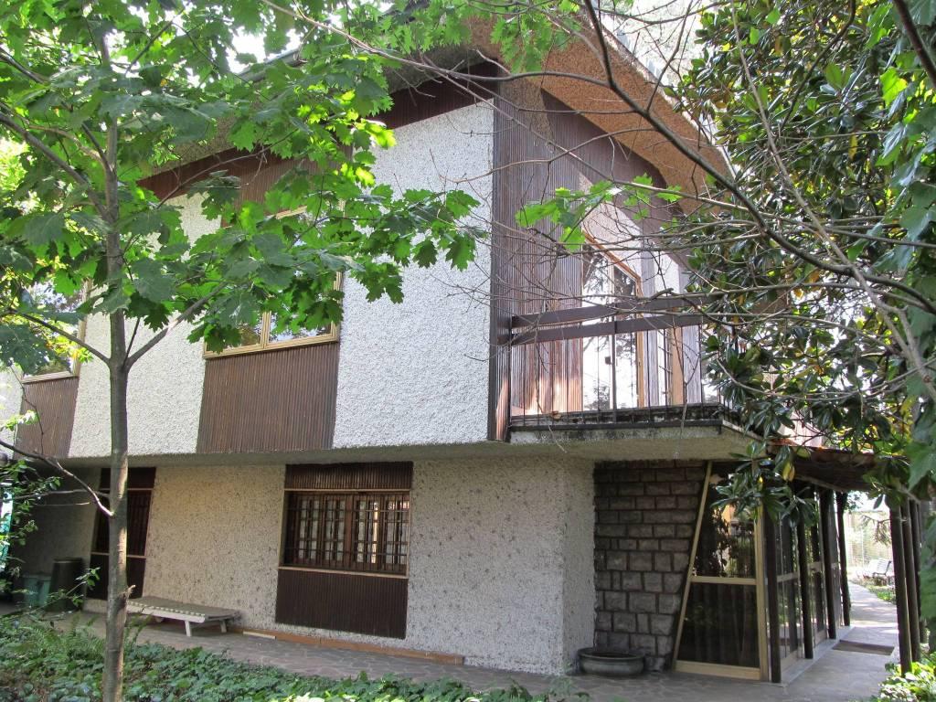 Villa da ristrutturare parzialmente arredato in vendita Rif. 9391496