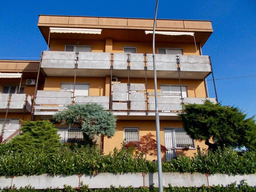 Appartamento in affitto Rif. 9390623