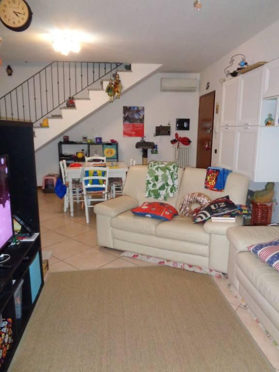 Appartamento in Vendita a Correggio: 4 locali, 95 mq