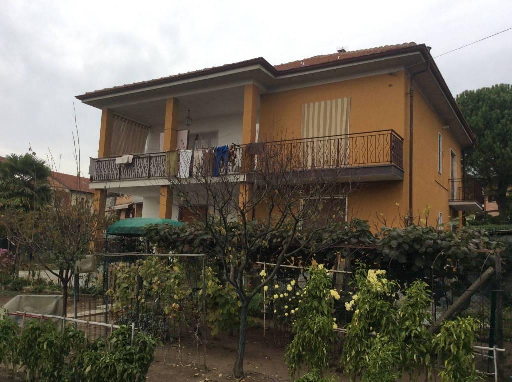 Villa in buone condizioni in vendita Rif. 9390729