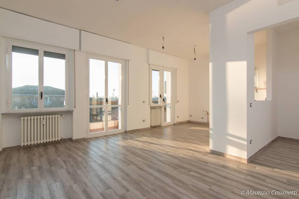 Appartamento in ottime condizioni in vendita Rif. 9393595