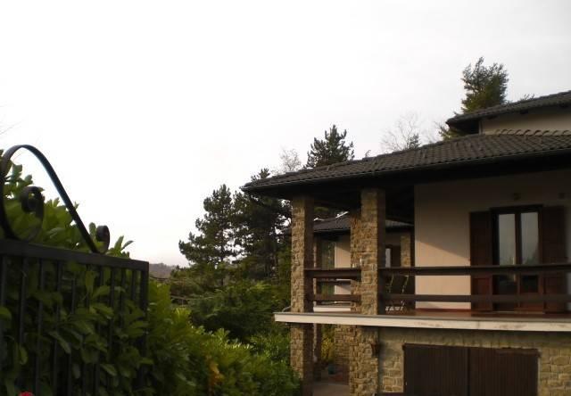 Villa in vendita a Roccaverano, 6 locali, prezzo € 320.000 | CambioCasa.it
