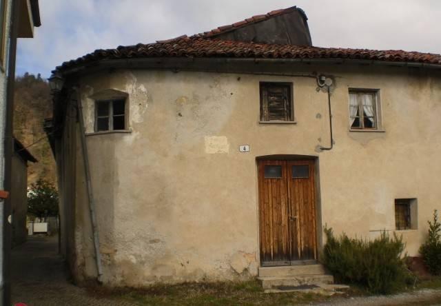 Rustico / Casale in vendita a Pallare, 6 locali, prezzo € 89.000 | CambioCasa.it
