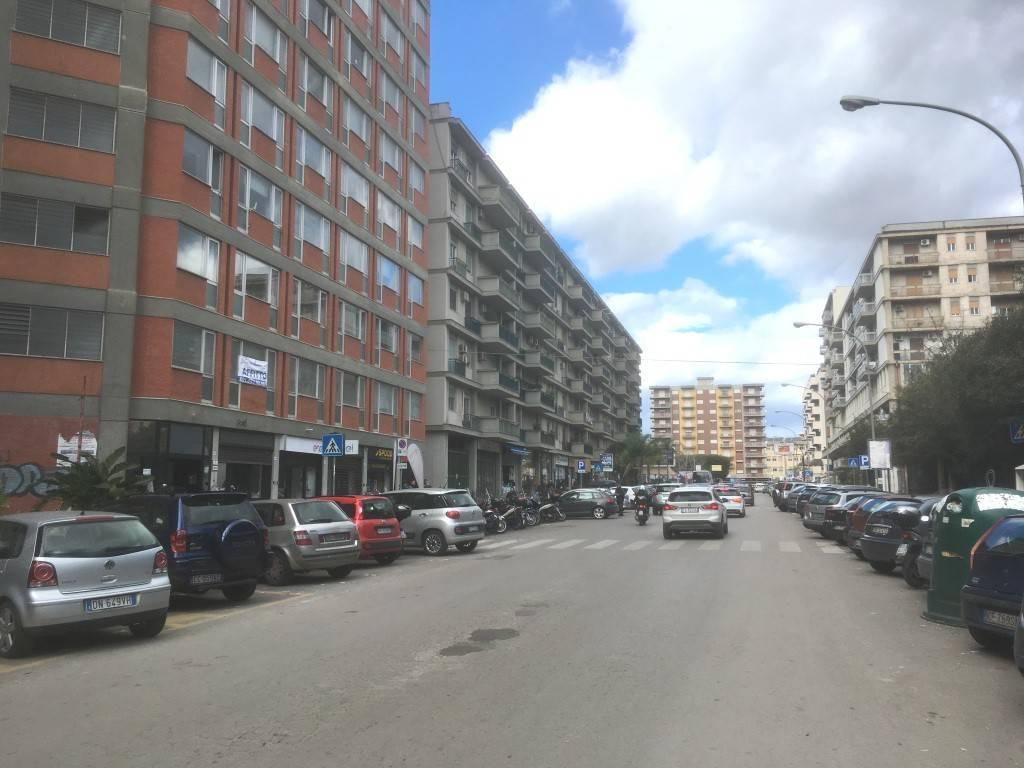 Appartamento in Affitto a Palermo Semicentro: 2 locali, 60 mq