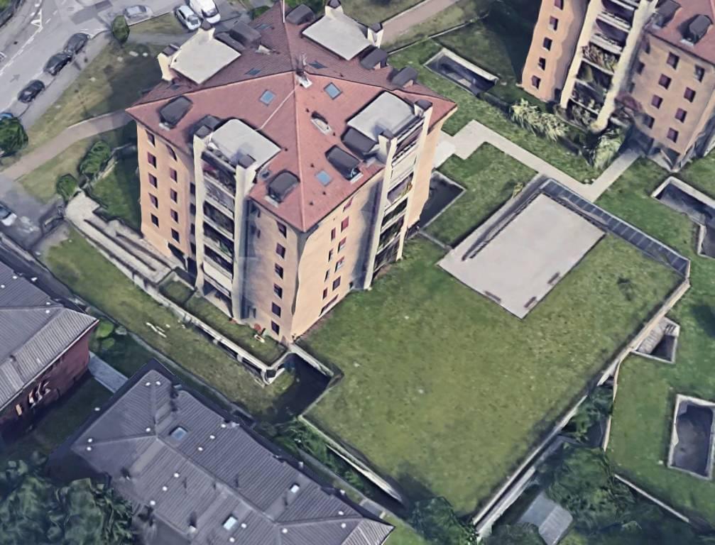 Capannone Monza
