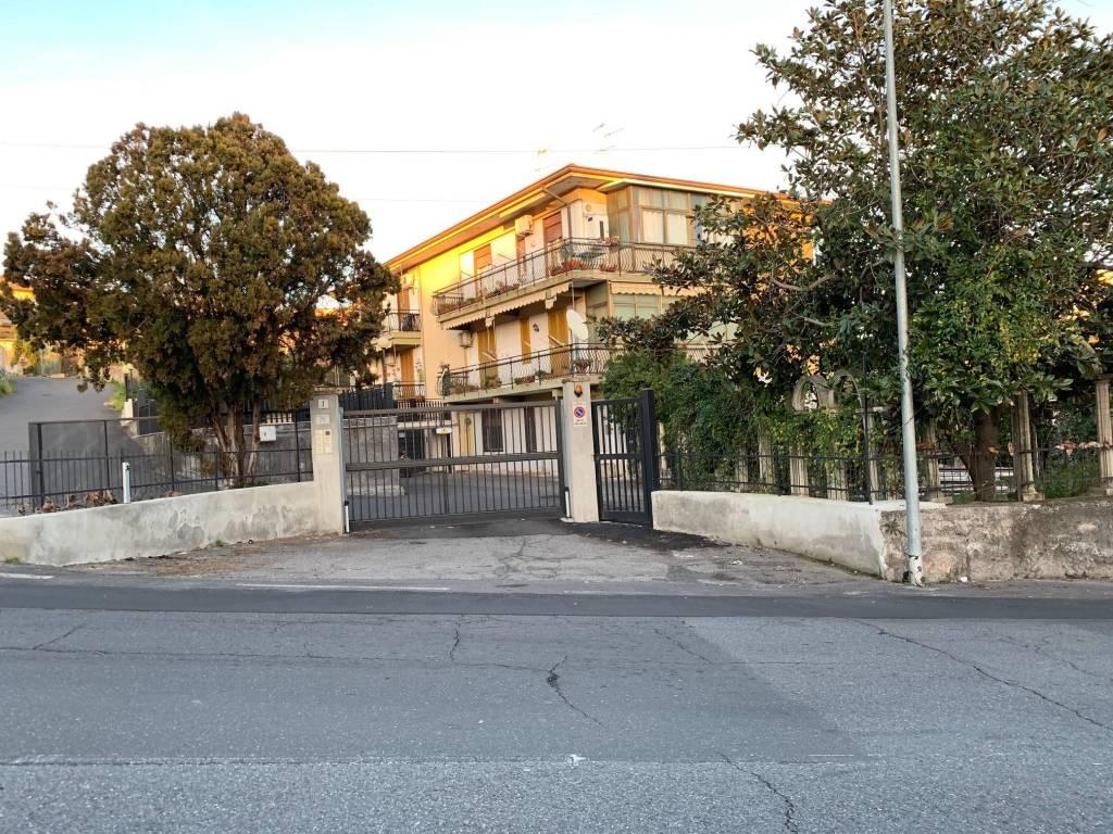 Appartamento da ristrutturare in vendita Rif. 9391491