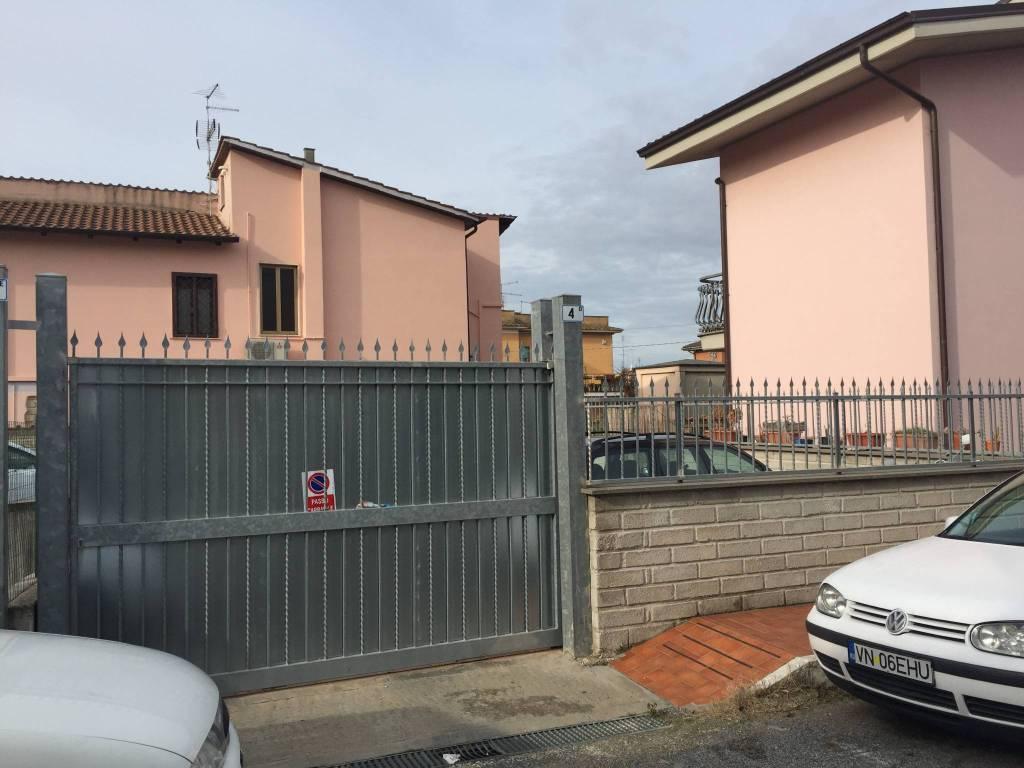 Box e posti auto in affitto Rif. 9395374