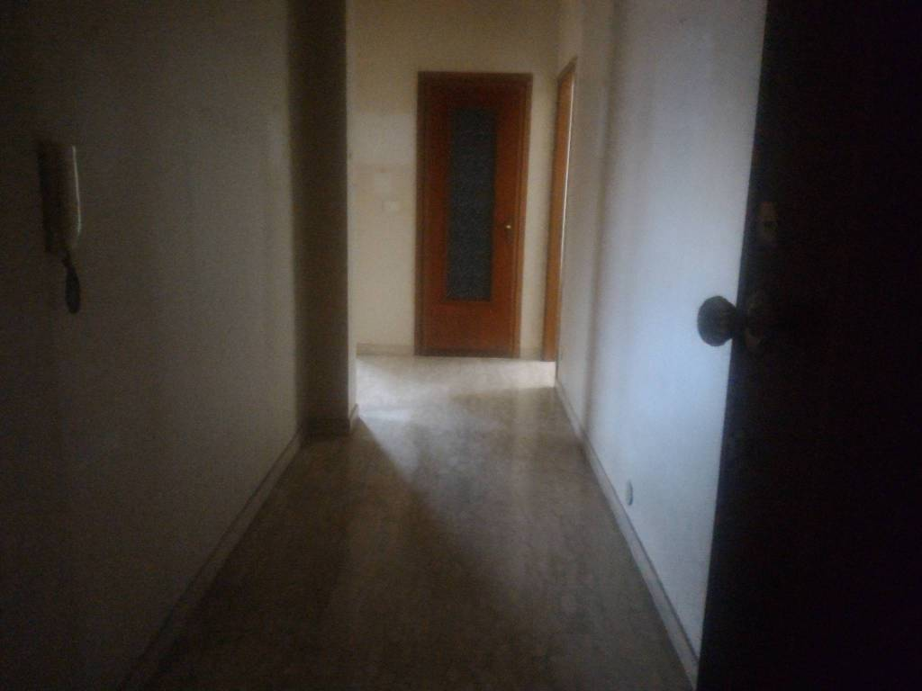 Appartamento in buone condizioni in vendita Rif. 9396516