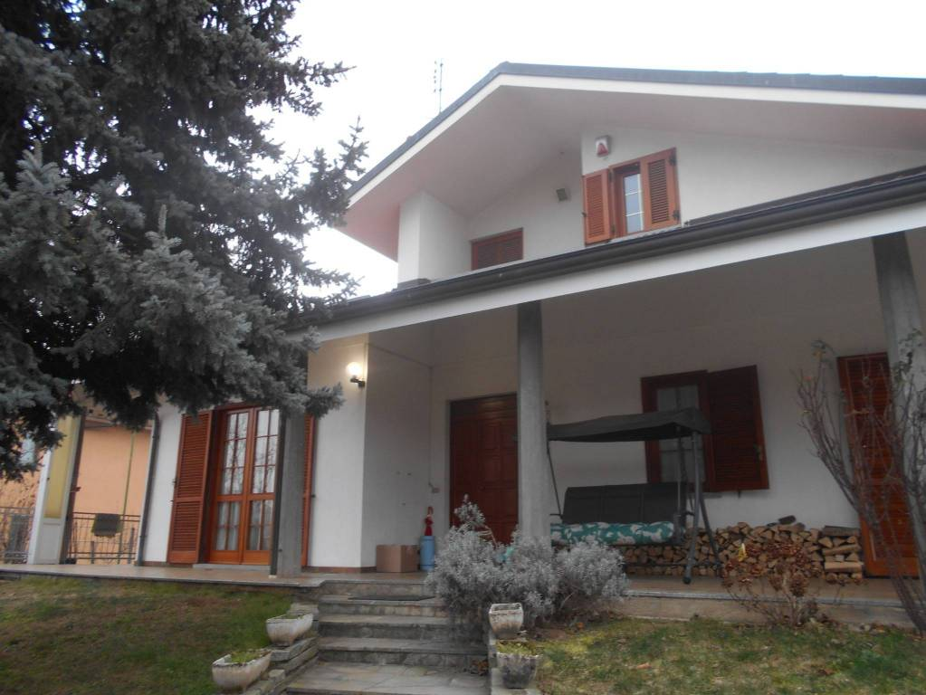 Villa in buone condizioni in vendita Rif. 9395366