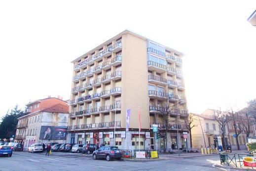 Appartamento in buone condizioni in affitto Rif. 8518639