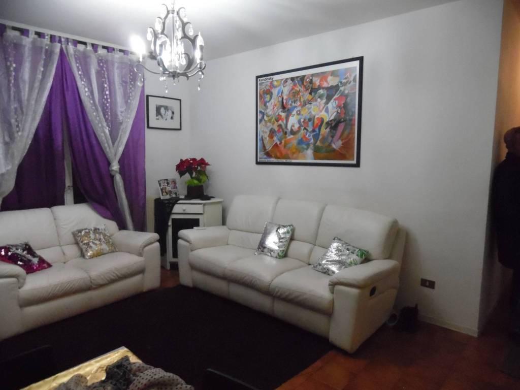 Appartamento in buone condizioni in vendita Rif. 4516386