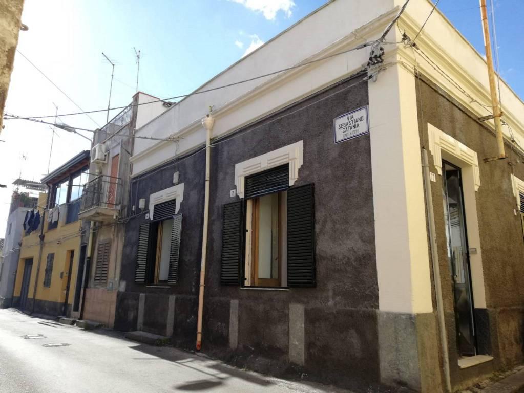 Casa indipendente 2 vani Catania zona Viale Mario Rapisardi