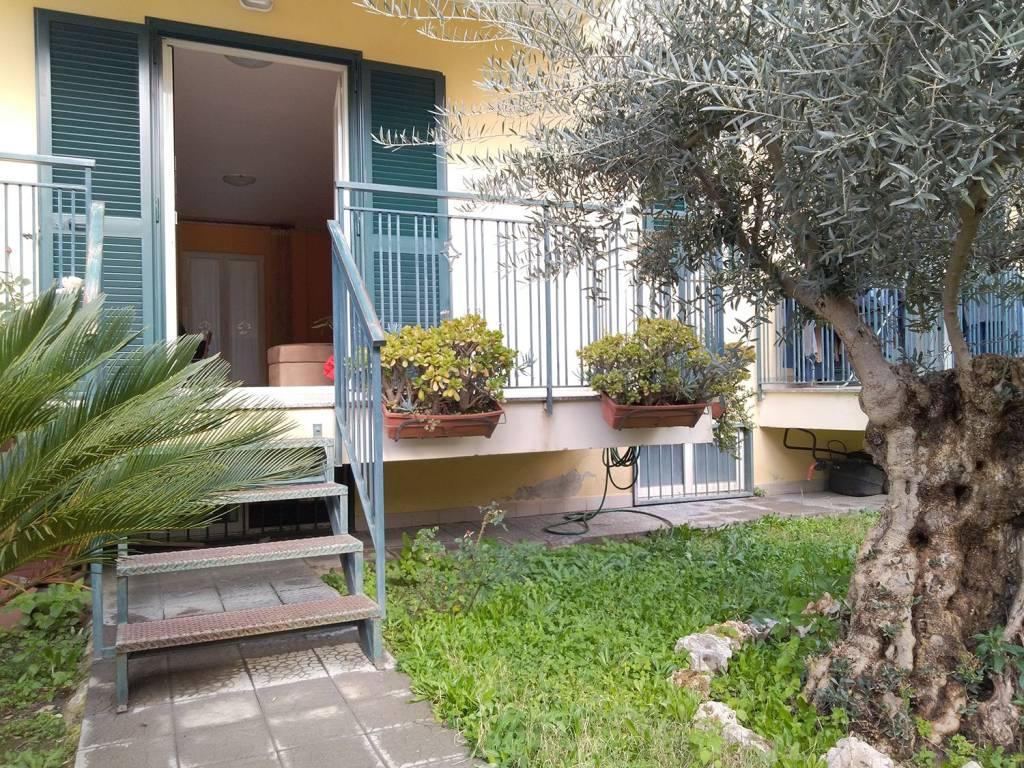 Appartamento in ottime condizioni in vendita Rif. 9405111
