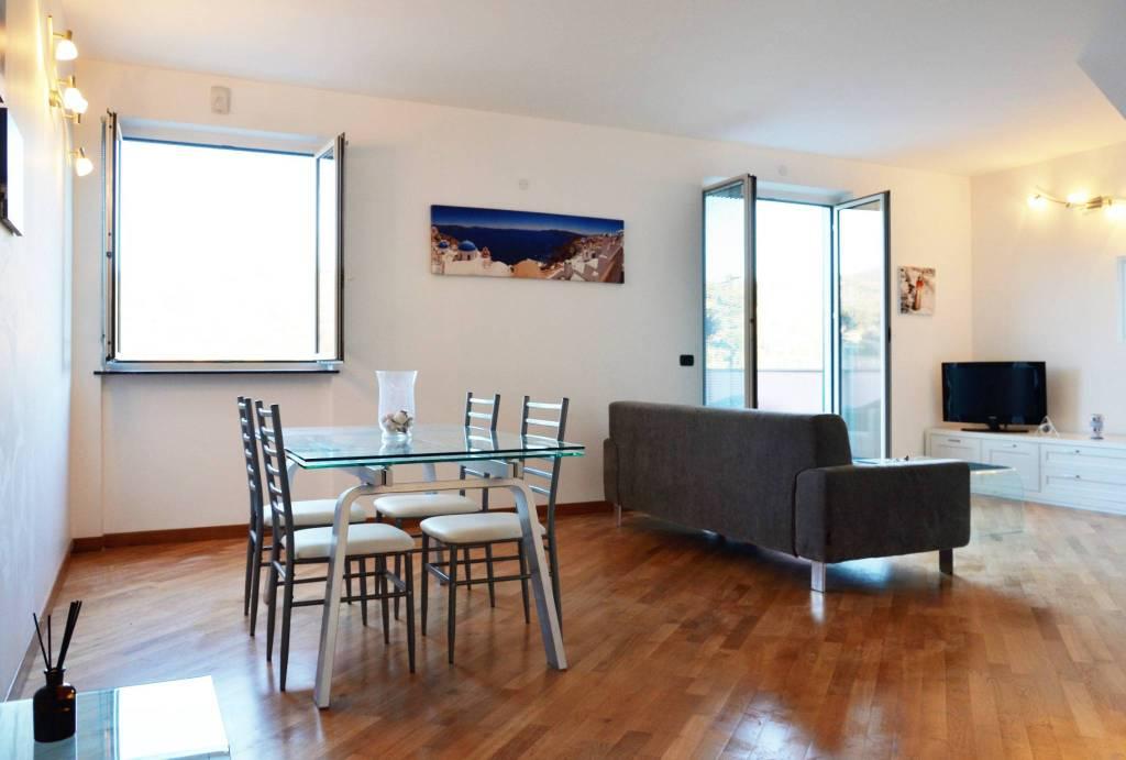 Villa in vendita a Albisola Superiore, 4 locali, prezzo € 250.000 | CambioCasa.it