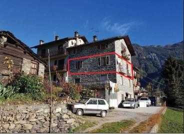 Appartamento trilocale in vendita a Chiesa in Valmalenco (SO)
