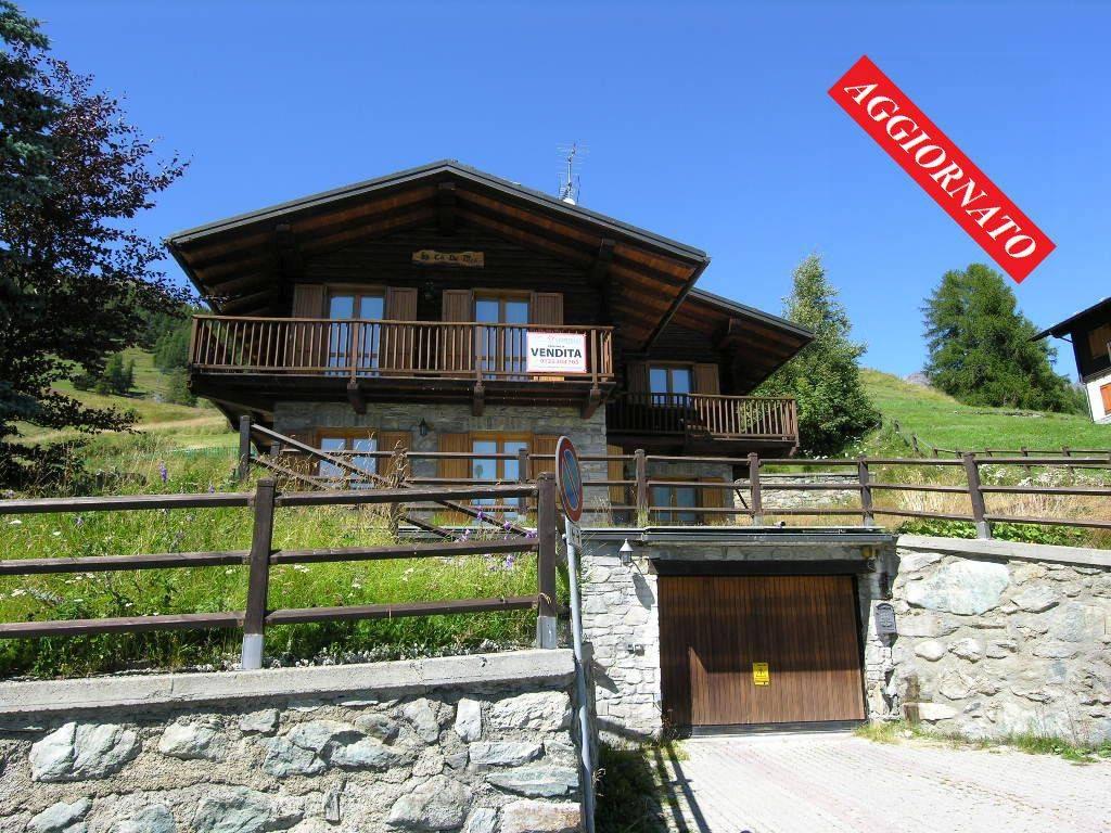 Foto 1 di Villa Rue Traciasa 11C, frazione Lignod, Ayas