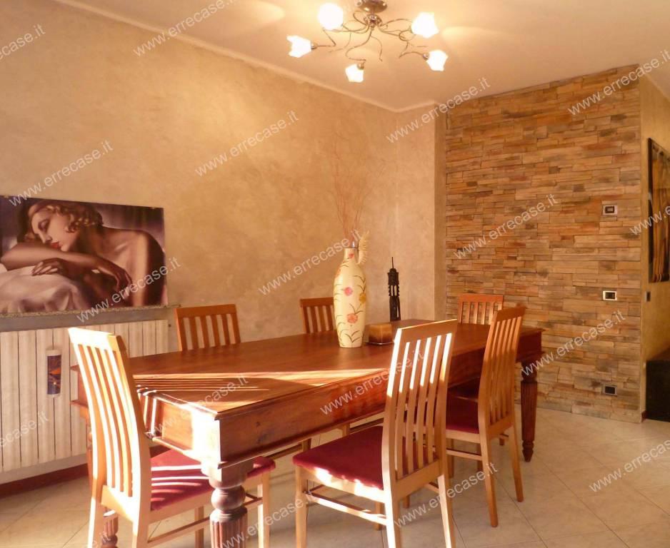 Appartamento in ottime condizioni in vendita Rif. 9413220