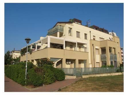 Appartamento in ottime condizioni in vendita Rif. 9350866