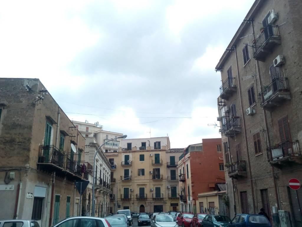 Appartamento in Vendita a Palermo Centro: 4 locali, 100 mq