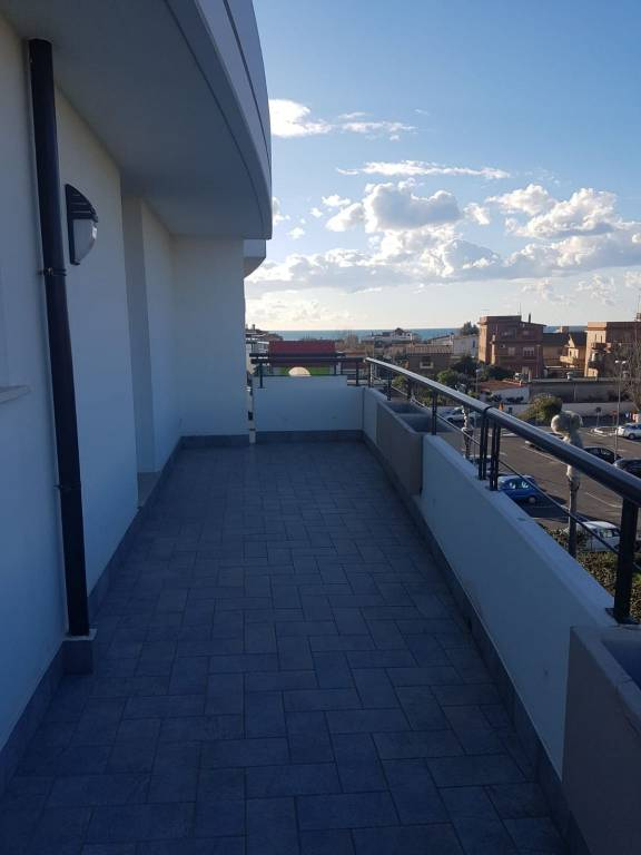 appartamento duplex focene