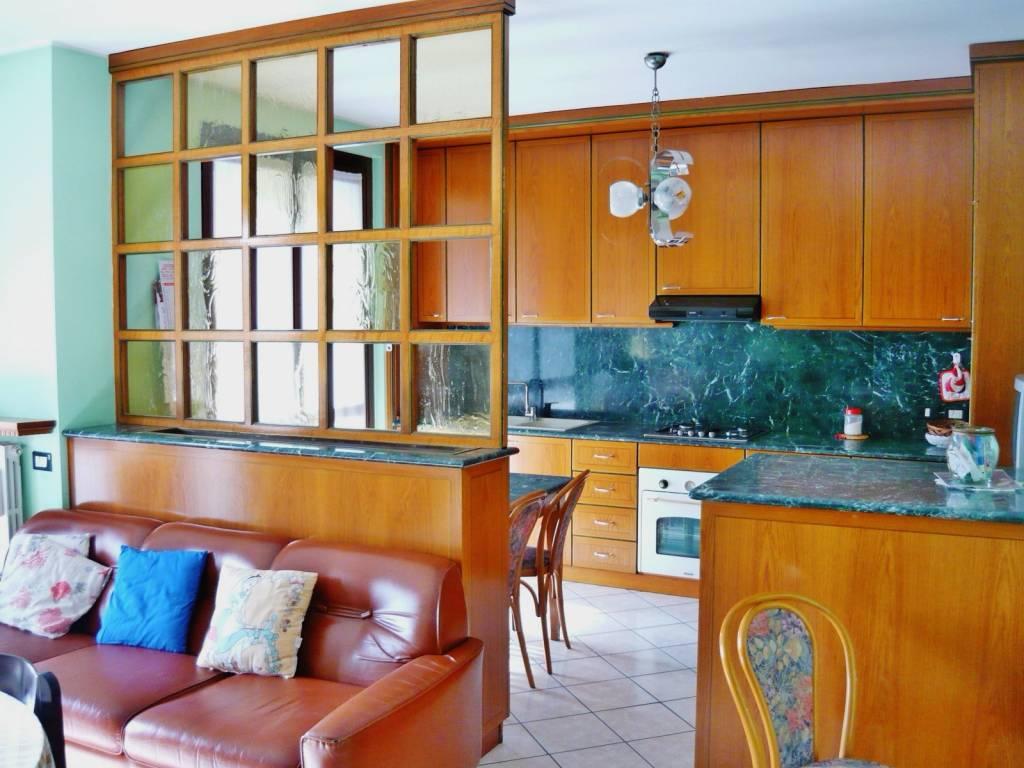 Appartamento trilocale con doppi servizi ultimo piano