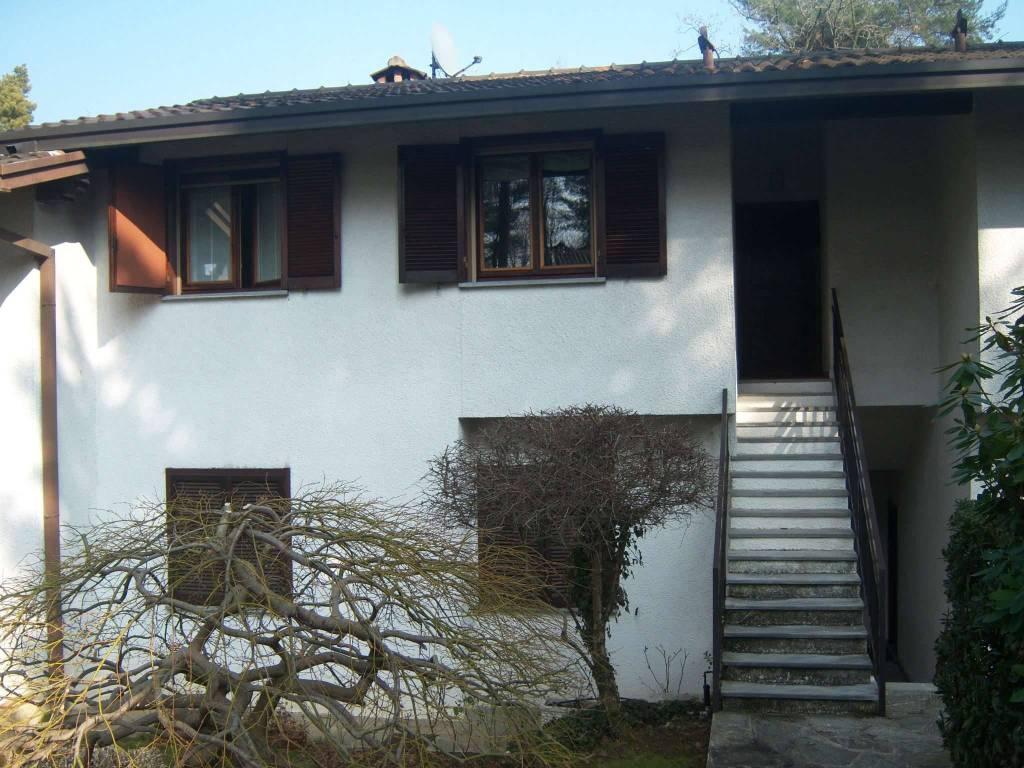 Appartamento in vendita a Appiano Gentile, 5 locali, prezzo € 240.000 | PortaleAgenzieImmobiliari.it
