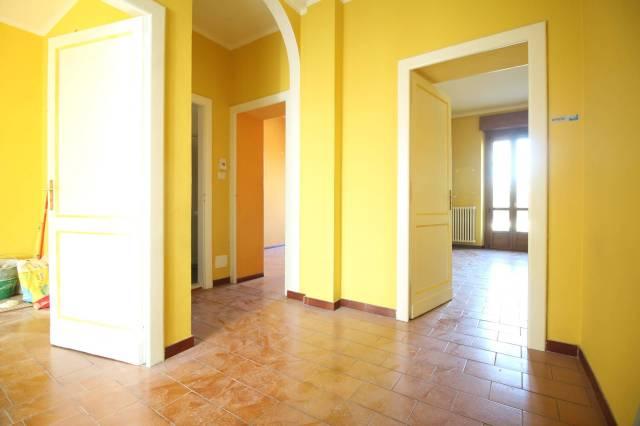 Appartamento in buone condizioni in affitto Rif. 6431508