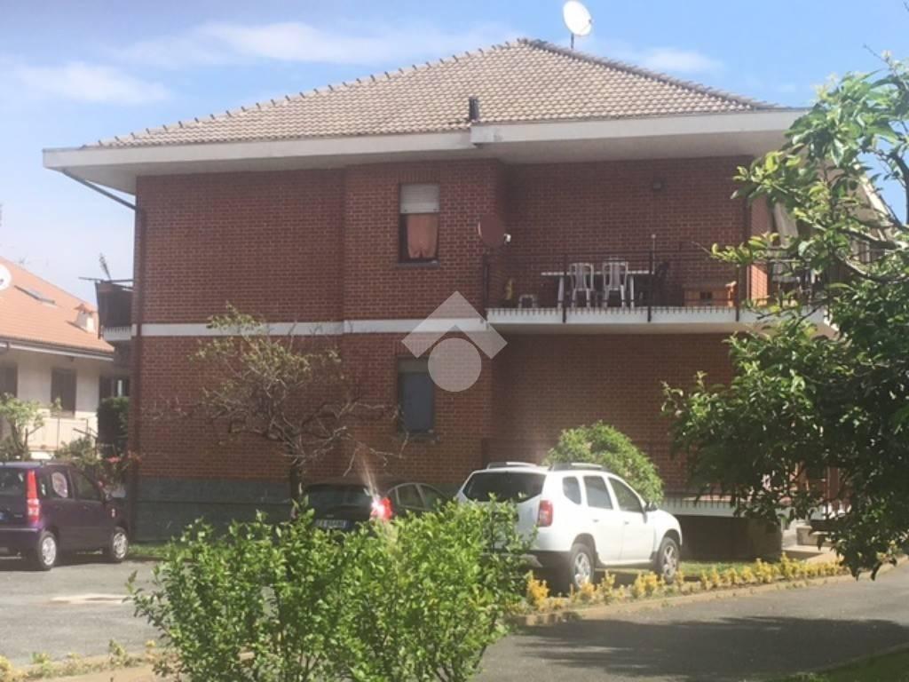 Appartamento in ottime condizioni in vendita Rif. 9422076