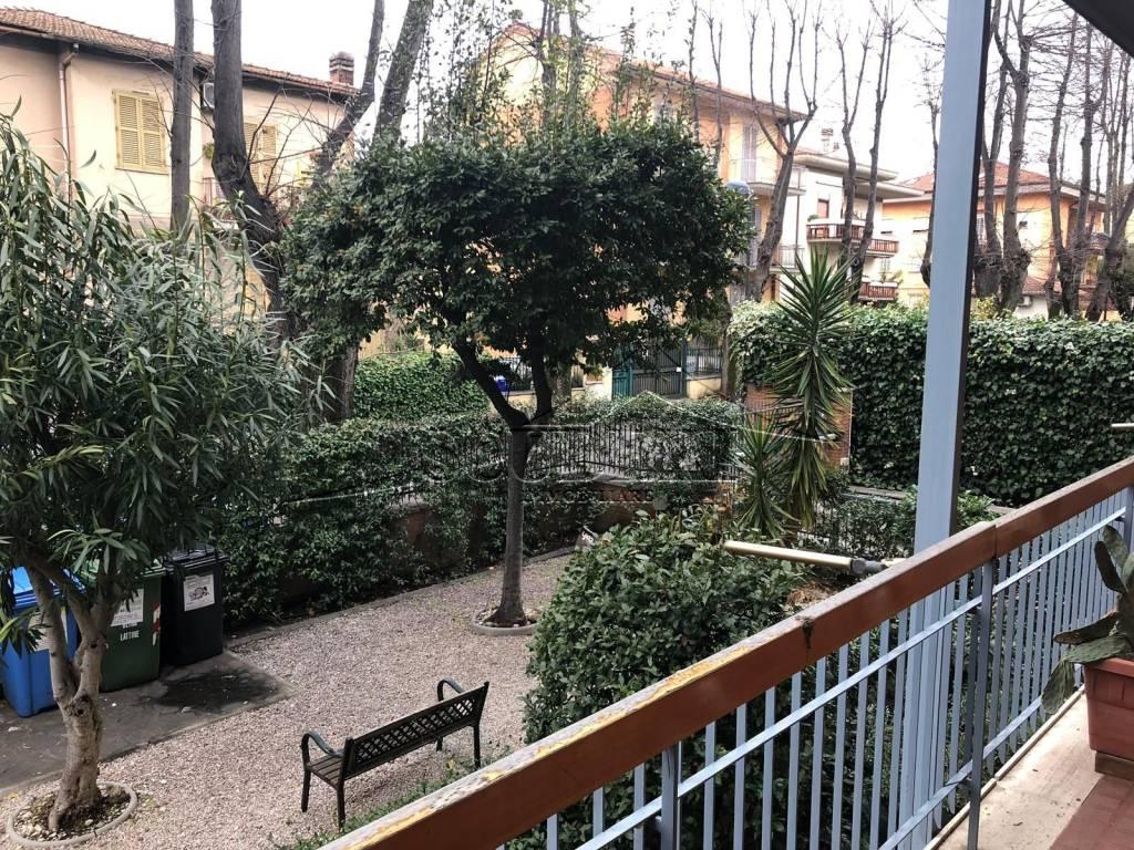 Appartamento con posto auto, zona centrale di Grottaferrata