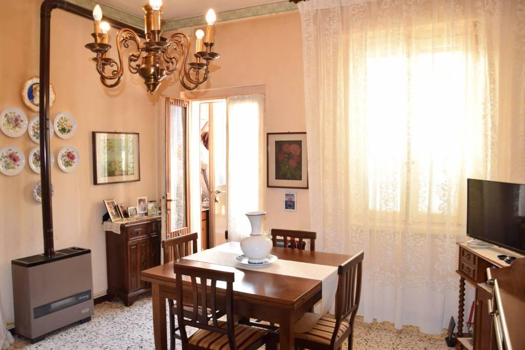 Appartamento in buone condizioni arredato in vendita Rif. 9420889
