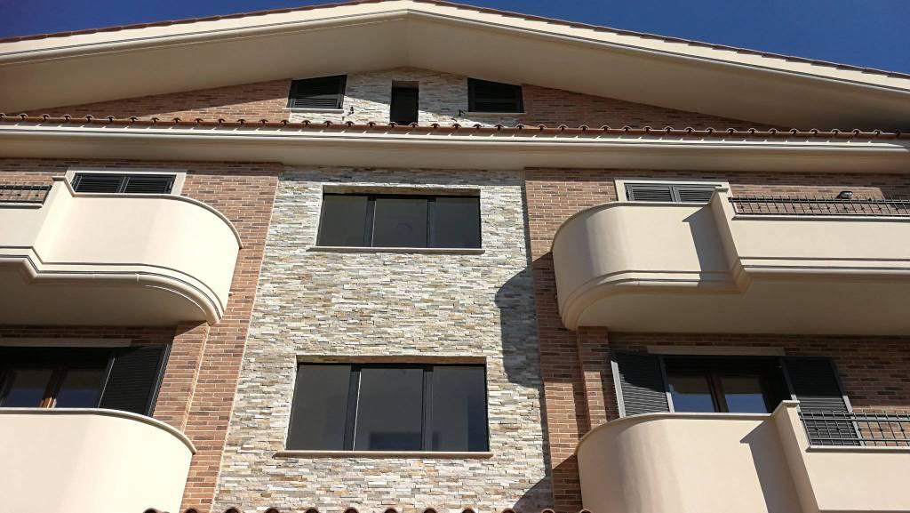 Appartamento in vendita Rif. 9423622