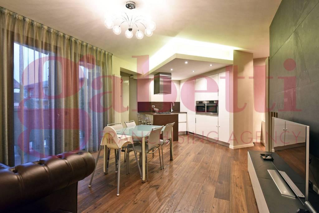 Appartamento in ottime condizioni in vendita Rif. 9420621