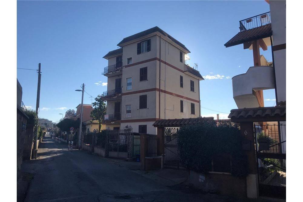 Appartamento in ottime condizioni in vendita Rif. 9247101
