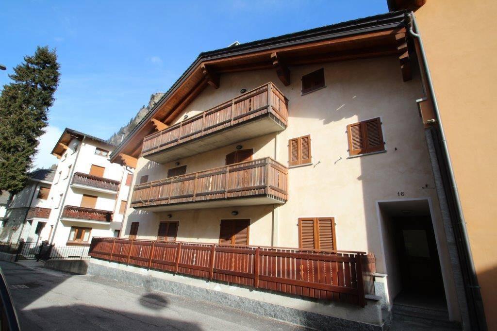 Appartamento bilocale in vendita a Campodolcino (SO)