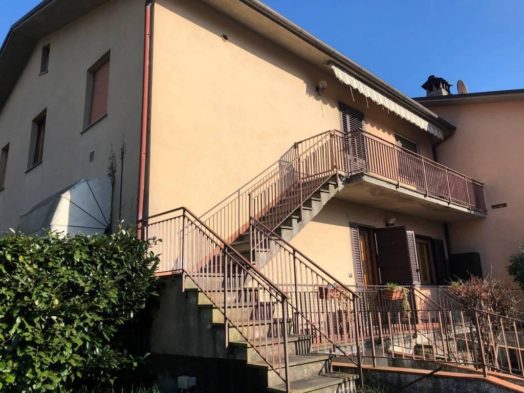 Appartamento in buone condizioni in vendita Rif. 8611461