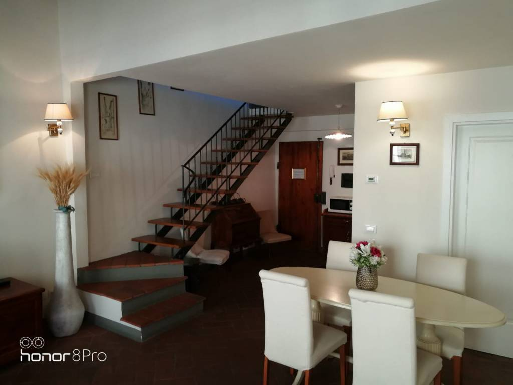 Attico / Mansarda in ottime condizioni in affitto Rif. 9303854