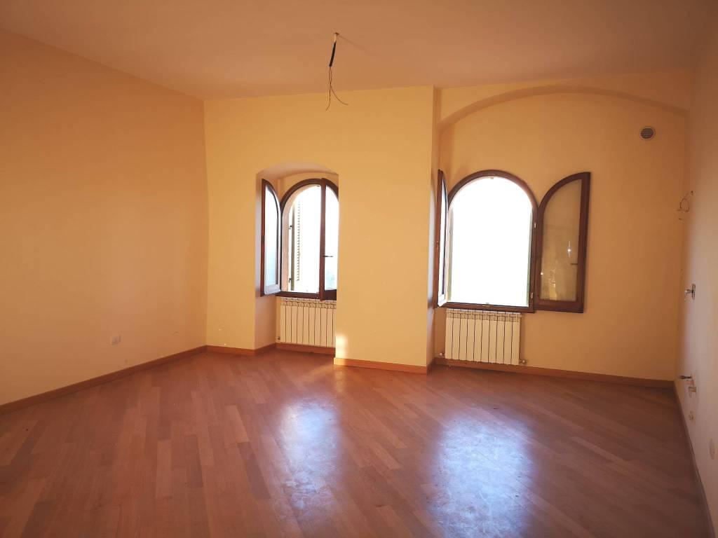 Appartamento in affitto a Trevi, 2 locali, prezzo € 250 | CambioCasa.it