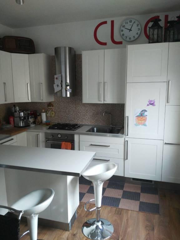 Appartamento in buone condizioni in vendita Rif. 9438149