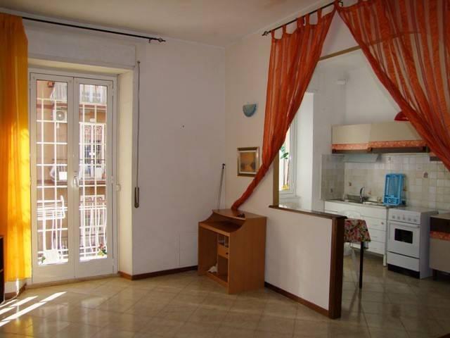 Appartamento in buone condizioni in vendita Rif. 9432807