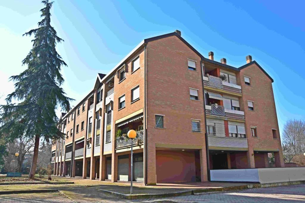 Appartamento in vendita 4 vani 110 mq.  via Enrico Mattei 13/2 Bologna