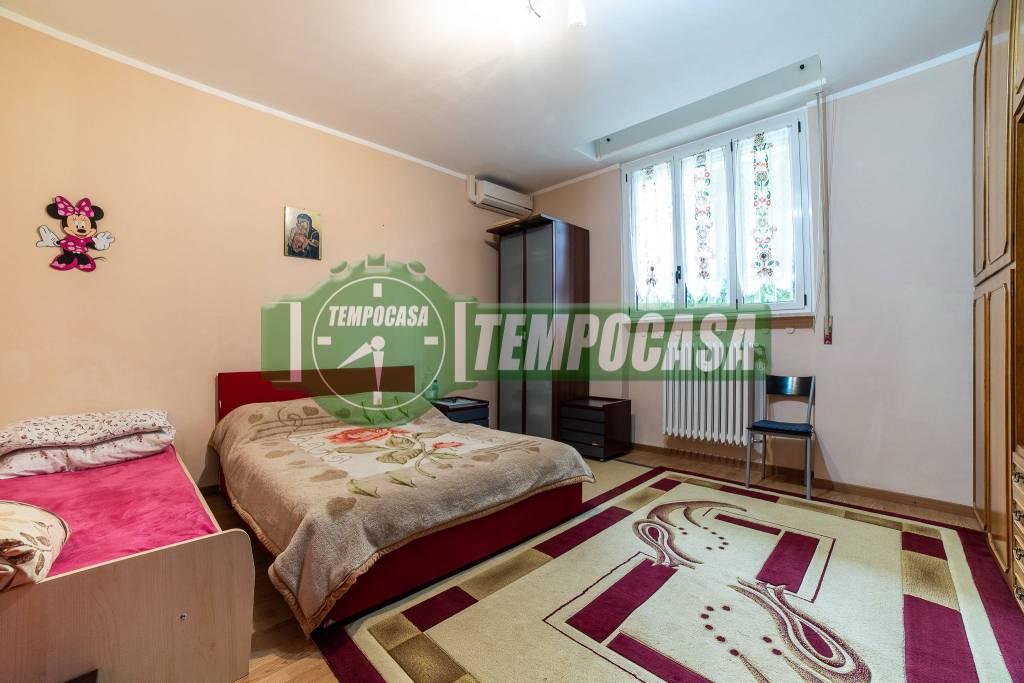 Appartamento in buone condizioni in vendita Rif. 9453068