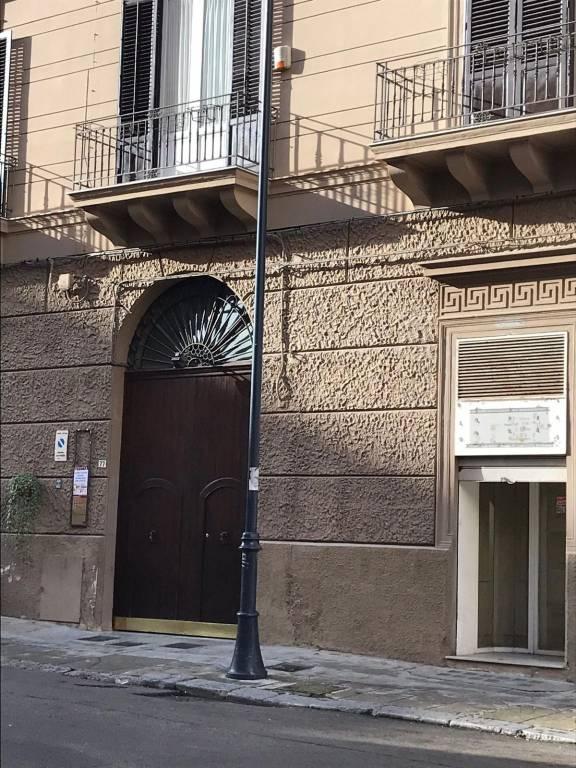 Negozio / Locale in affitto a Palermo, 9999 locali, prezzo € 1.400 | CambioCasa.it