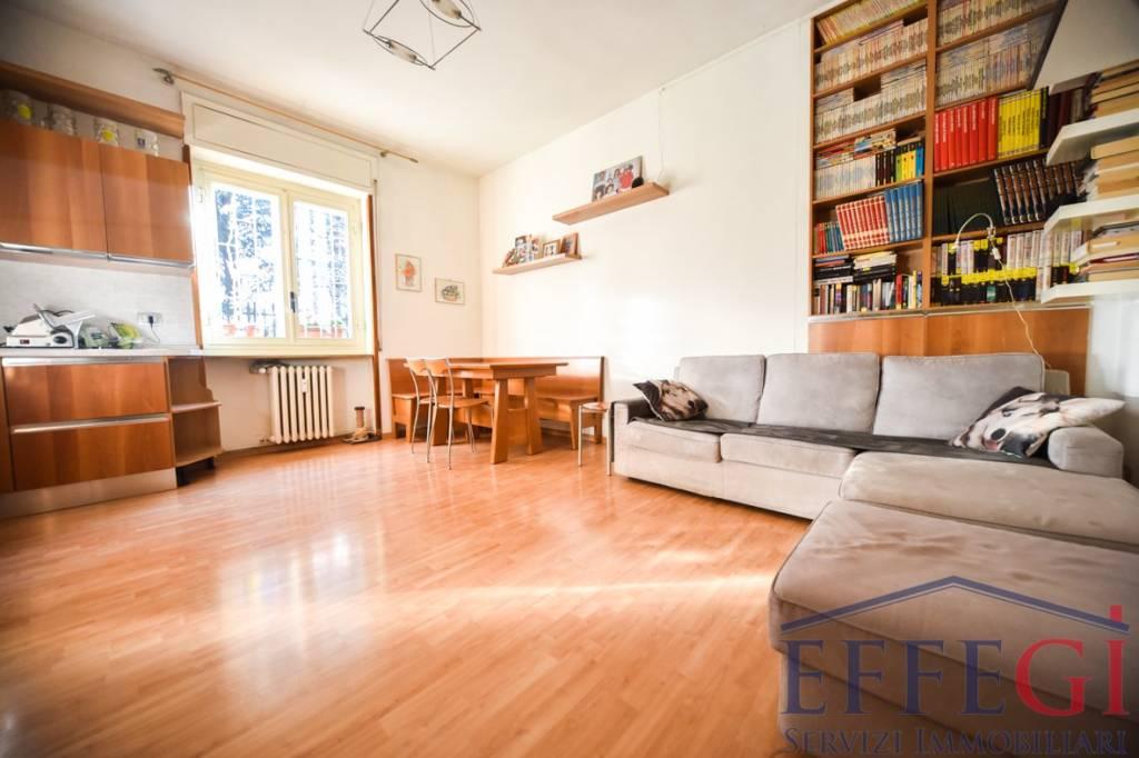 Appartamento in buone condizioni in vendita Rif. 9435607