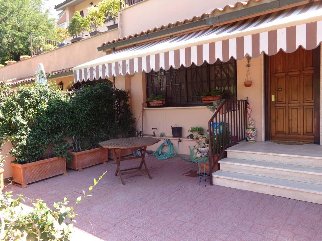 Villa a Schiera in vendita a Roma, 7 locali, zona Zona: 42 . Cassia - Olgiata, prezzo € 405.000 | CambioCasa.it