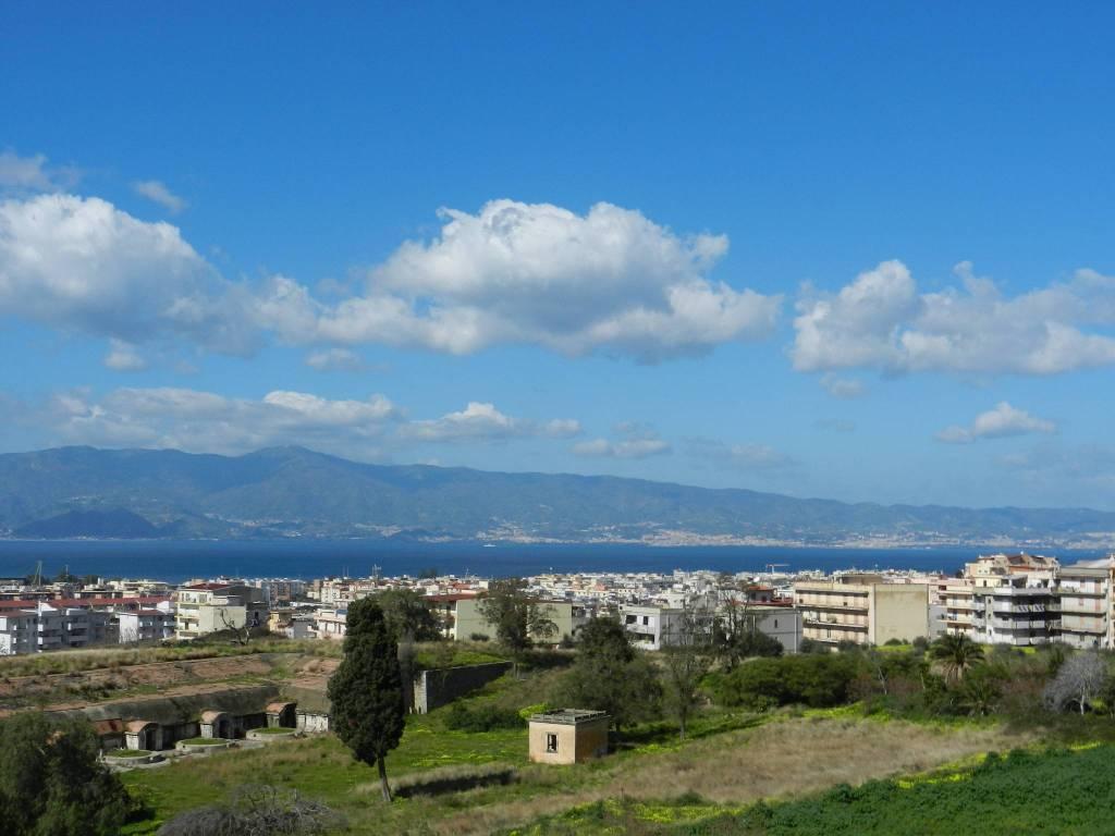 Appartamento quadrilocale in affitto a Reggio di Calabria (RC)