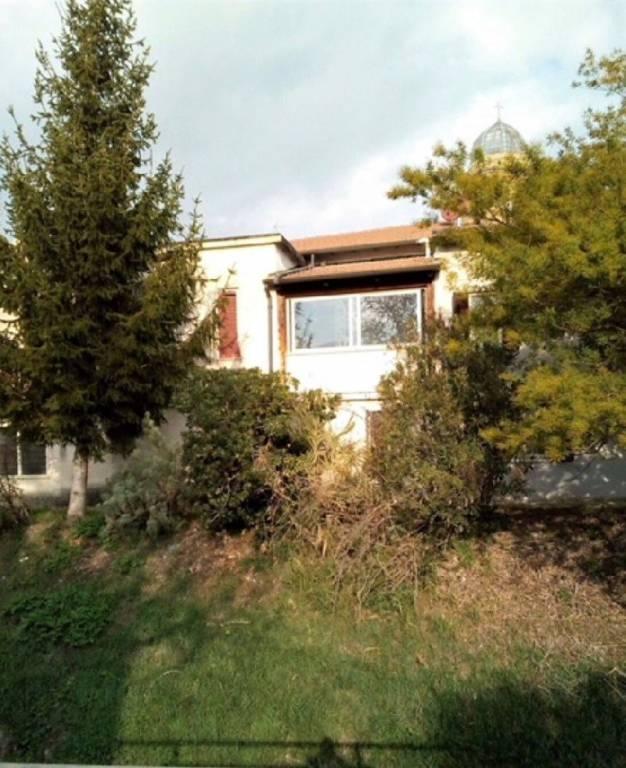 Casa indipendente quadrilocale in vendita a Cannara (PG)