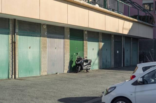 Foto 10 di Quadrilocale Via dei Narcisi, Genova
