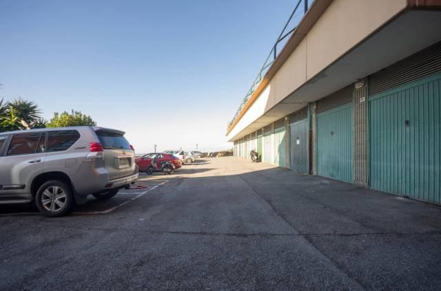 Foto 11 di Quadrilocale Via dei Narcisi, Genova