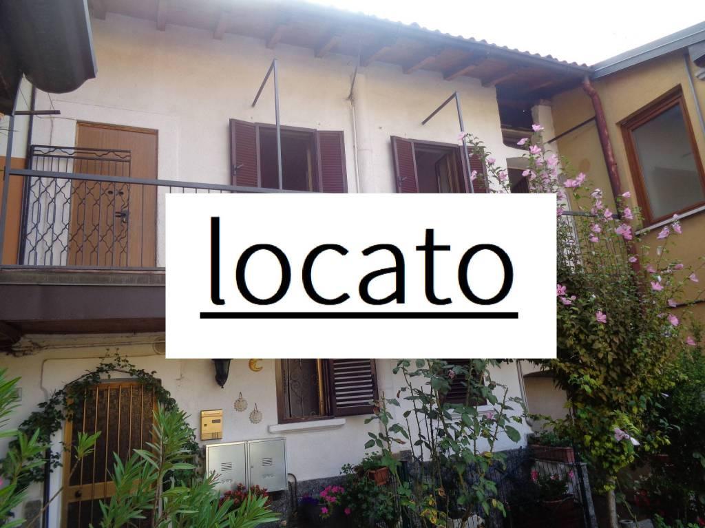 Appartamento in buone condizioni parzialmente arredato in affitto Rif. 8733035