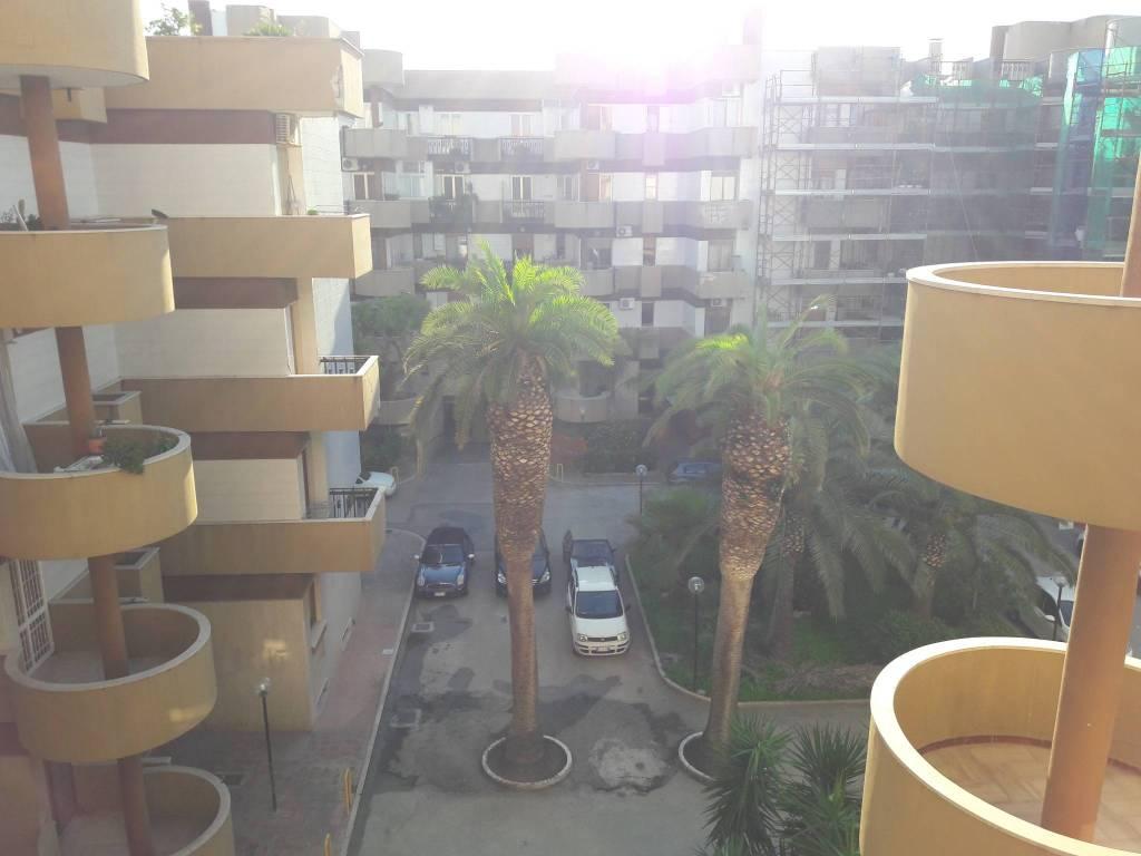 Appartamento trilocale in vendita a Trani (BT)